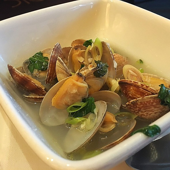 Lemongrass Clams - Restaurant Epic, Honolulu, HI