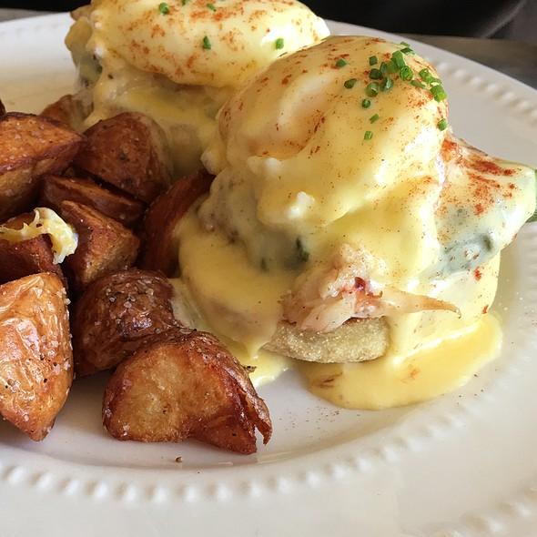 Crab Bennedict - Luna Restaurant, Spokane, WA