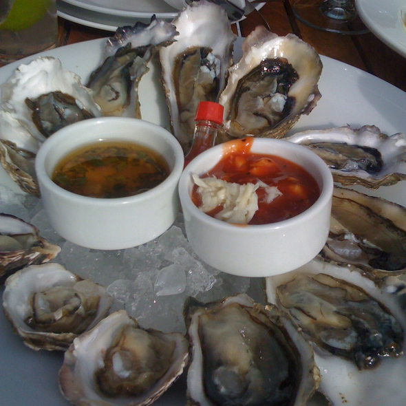 Raw pacific oysters - The Boathouse at Kits Beach, Vancouver, BC
