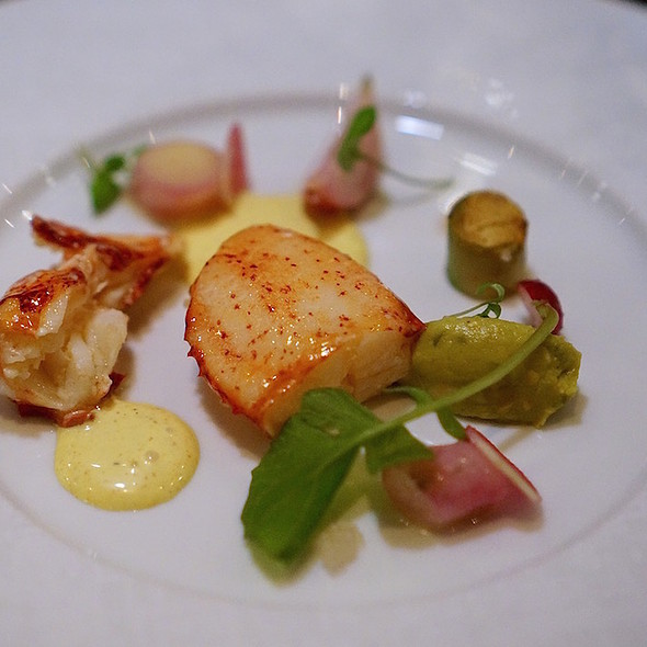 Nova Scotia lobster, avocado, vadouvan, radishes, finger limes - Alo Restaurant, Toronto, ON