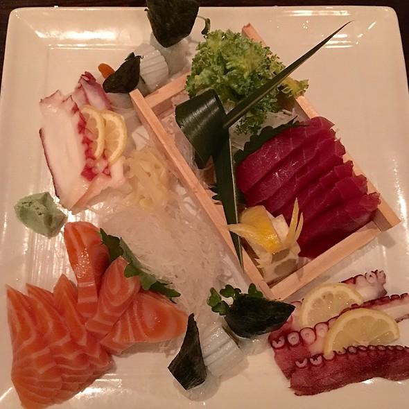 assorted sashimi - Okura Robata Grill and Sushi Bar - La Quinta, La Quinta, CA