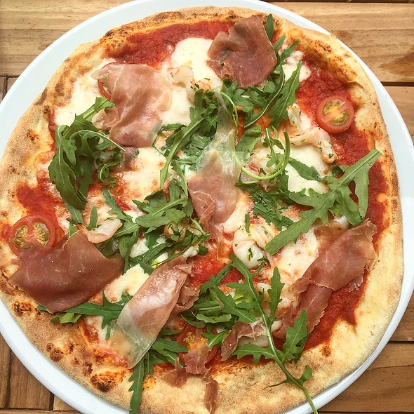 Pizza Emillia - Ponti's Italian Kitchen - John Princes Street, London