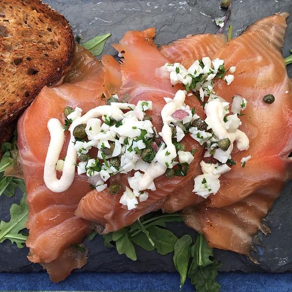 Smoked Salmon Platter - Nonni's Bistro, Pleasanton, CA