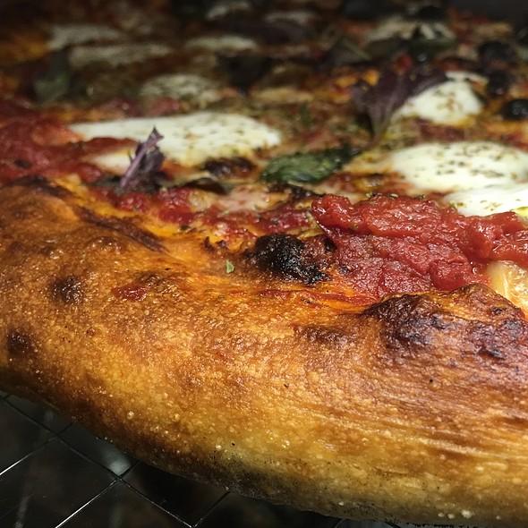 Pizza Margherita - Gjelina, Venice, CA