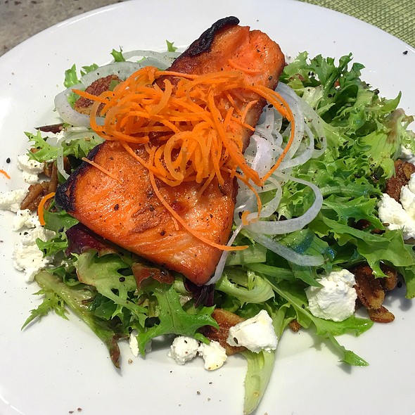 Applewood Salmon Salad - Mariposa at Neiman Marcus - Ala Moana, Honolulu, HI