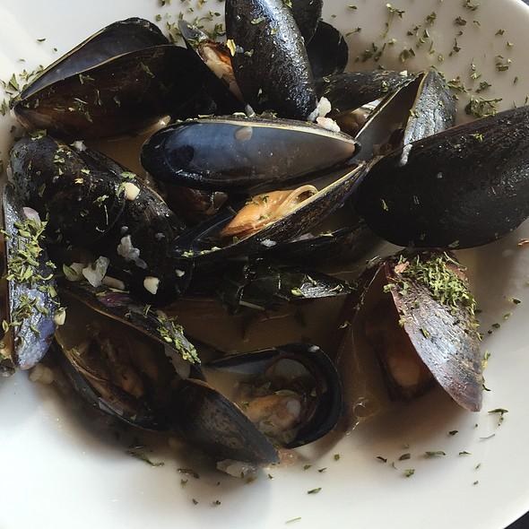 Mussels - Corleone's Trattoria, Savannah, GA