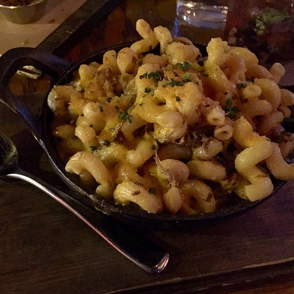Smoked Mac And Cheese With Short Rib - Stout Barrel House and Galley, Chicago, IL