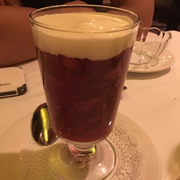 Red Berry Bibble - Keens Steakhouse, New York, NY