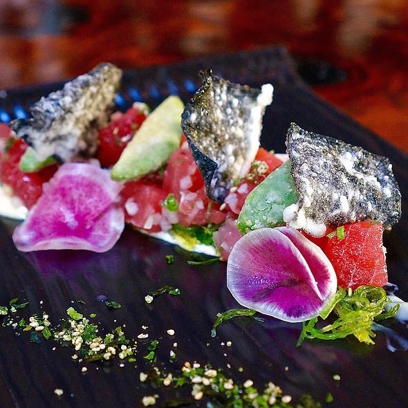 Hawaiian ahi tuna 'poke' –wakame salad, soy kombu emulsion, crispy avocado - Valette, Healdsburg, CA
