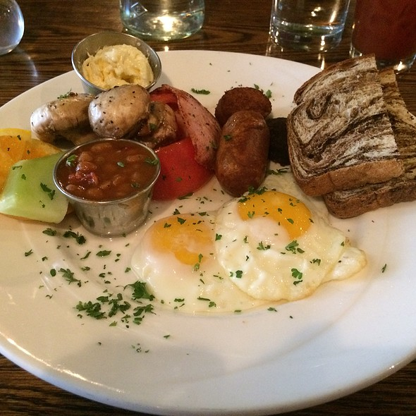 Classic Irish Breakfast - Mrs. Murphy & Sons Irish Bistro, Chicago, IL