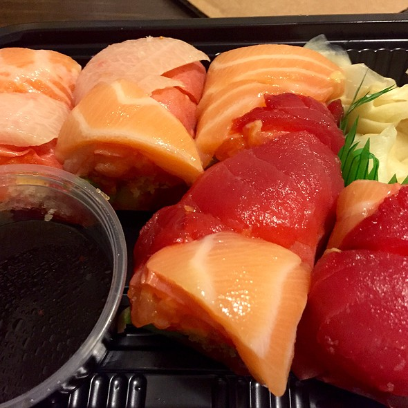 Sashimi Platter (Tuna, Salmon, Yellowtail Tuna) - Atami Japanese Restaurant, New York, NY