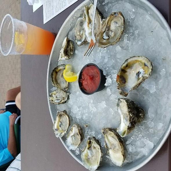 Oysters - Mahi Mah's Seafood Restaurant and Sushi Saloon, Virginia Beach, VA