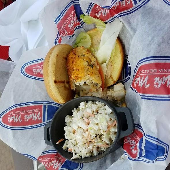 crabcake - Mahi Mah's Seafood Restaurant and Sushi Saloon, Virginia Beach, VA