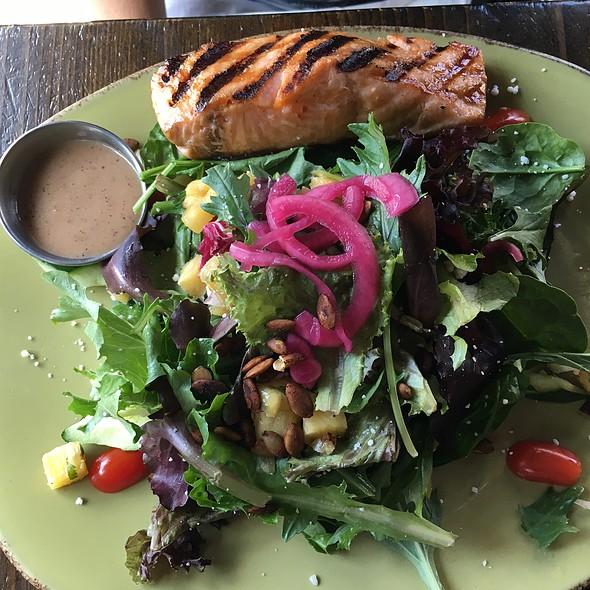 Salmon & Salad - El Camion, New York, NY