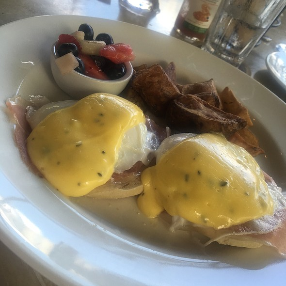 Eggs Benedict - Max Amore, Glastonbury, CT