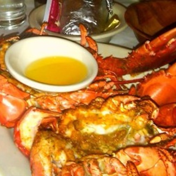 Whole Maine Lobster - Sea Shore Restaurant & Marina, Bronx, NY