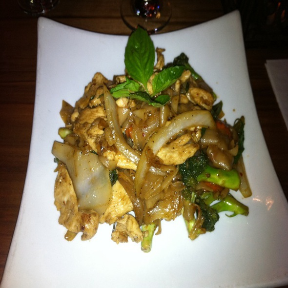 Drunken Noodles - Lotus.Thai, Brooklyn, NY