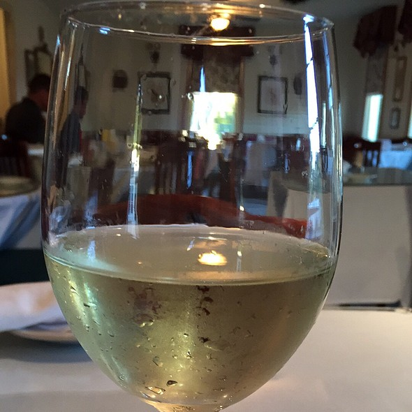 Mascato - Robin's Nest Restaurant, Mount Holly, NJ