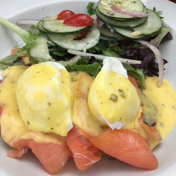 Salmon Benedict - Broadway Cellars, Chicago, IL