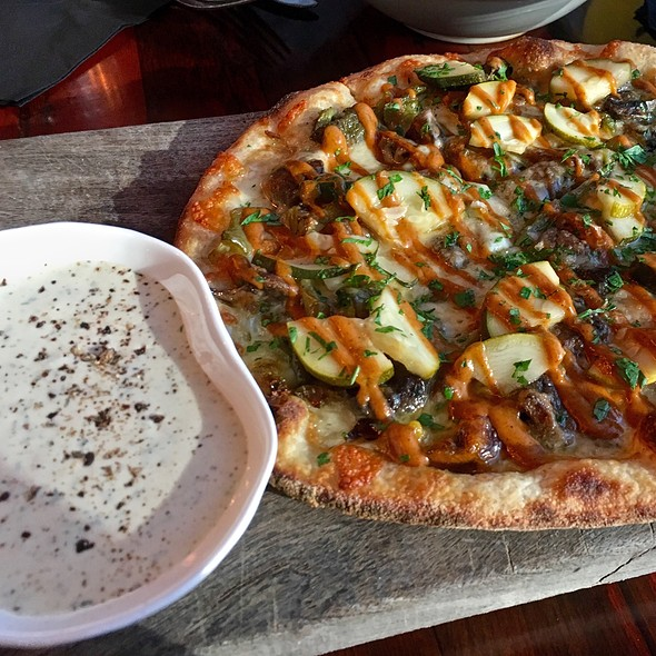 Smoked Fun-Guy Pizza Pie - Odd Duck, Austin, TX