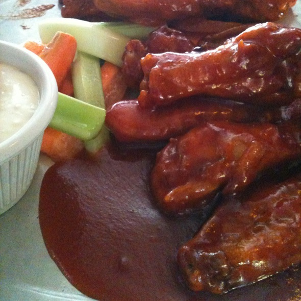 Wings - The Kettle Black, Brooklyn, NY