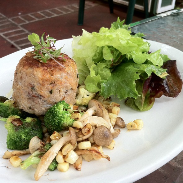 Pan Roasted Blue Crab Cake - Market Fresh Bistro, Makawao, HI