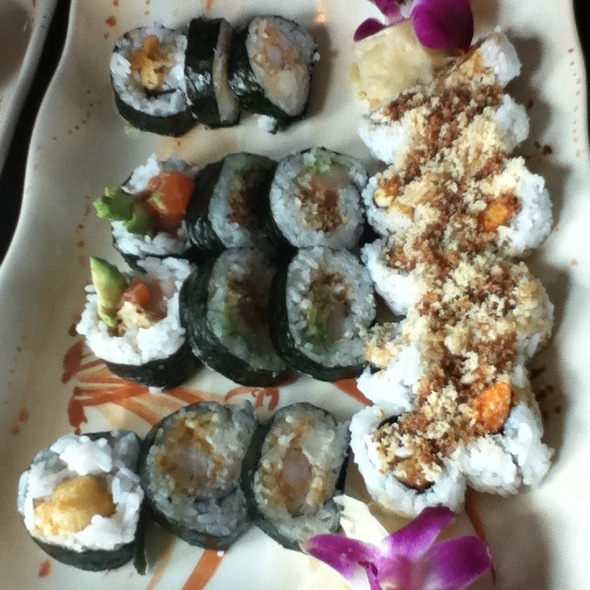 Blondie Roll, Dunwell Roll, And The Oh My Goodness Roll - DEKORA!, Oklahoma City, OK