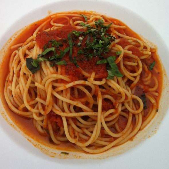 Pasta With Tomato Basil Sauce - Convito Cafe and Market, Wilmette, IL