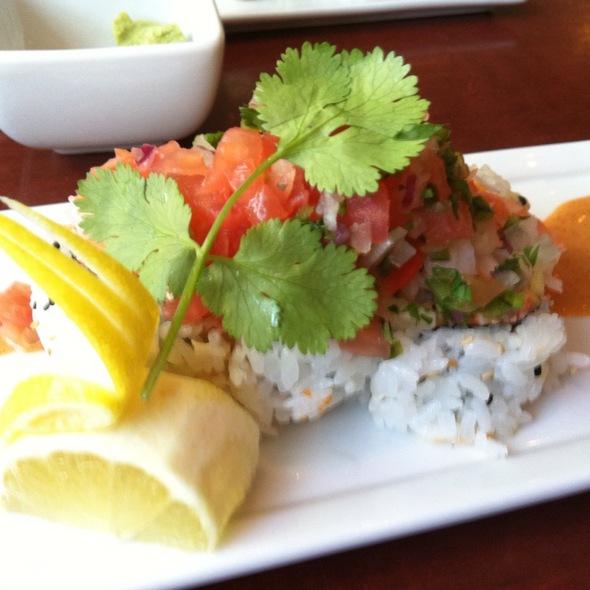Spicy Tuna And Avocado Roll - Kabuki Japanese Restaurant - Hollywood, Hollywood, CA