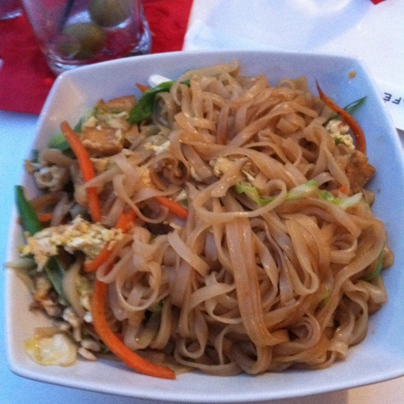 Tofu Pad Thai - Cafe Fresco - Center City, Harrisburg, PA