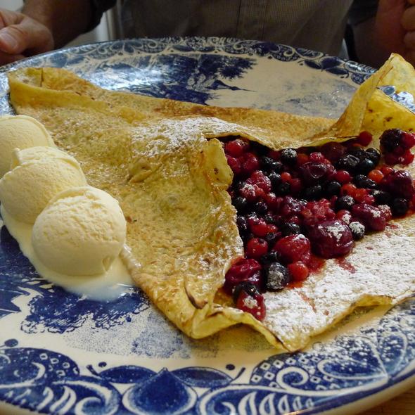 Compote of Berries Pannenkoeken - My Old Dutch - Chelsea, London