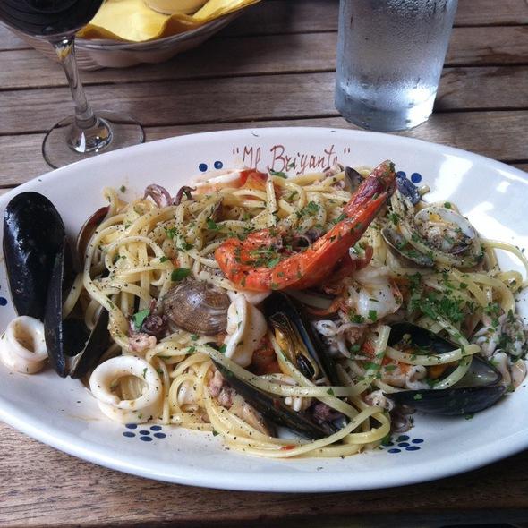 Linuine Allo Scoglio - Il Brigante Restaurant, New York, NY