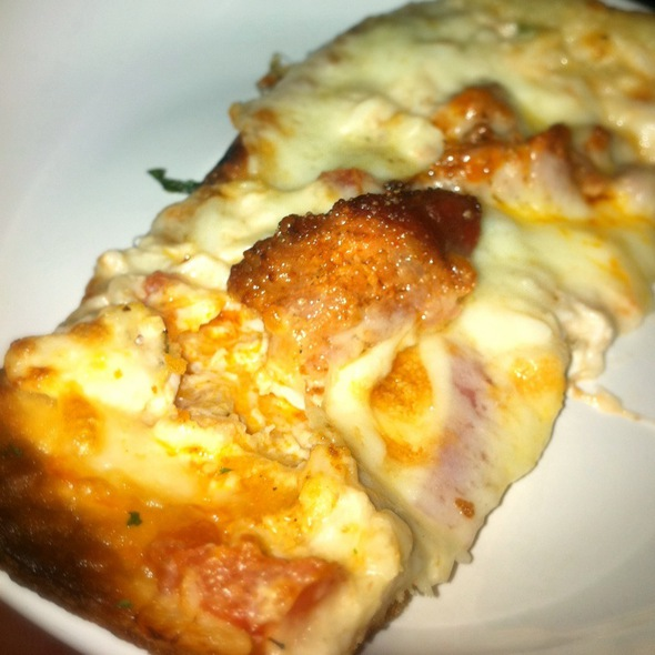 Crab And Sausage Pizza - do Restaurant at the View, Atlanta, GA