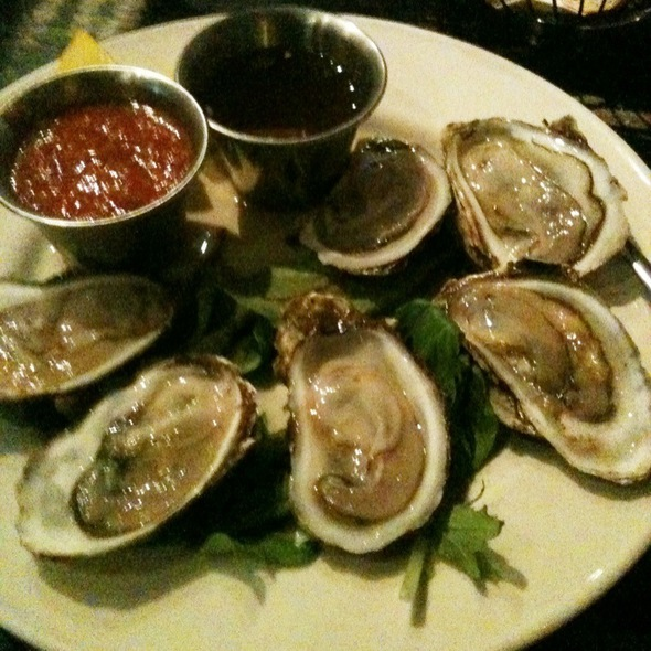 Oysters - Go Fish Restaurant, Mystic, CT
