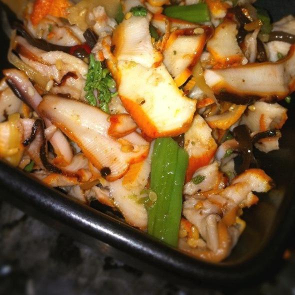 Calamari Salad - Jinbeh Japanese Restaurant, Irving, TX