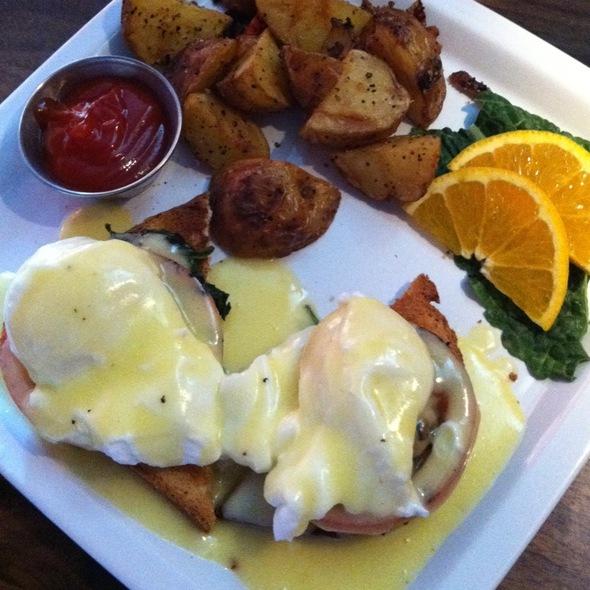 Eggs Benedict Florentine - Palace Cafe, Tulsa, OK
