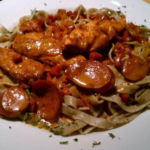 bayou pasta - Noodles Italian Cafe & Sushi Bar, Naples, FL