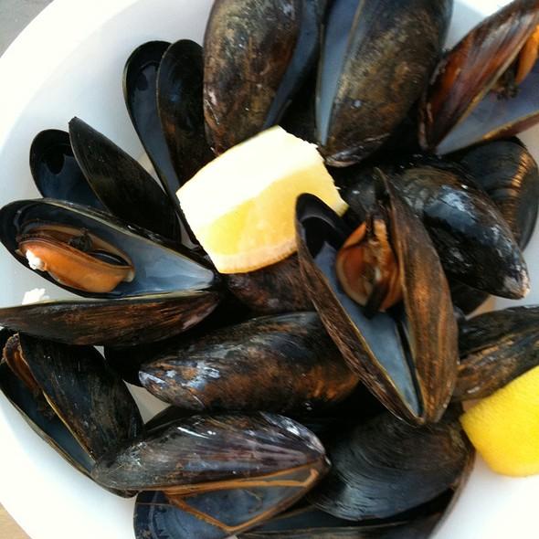 Mussels - Duryea's Lobster Deck, Montauk, NY