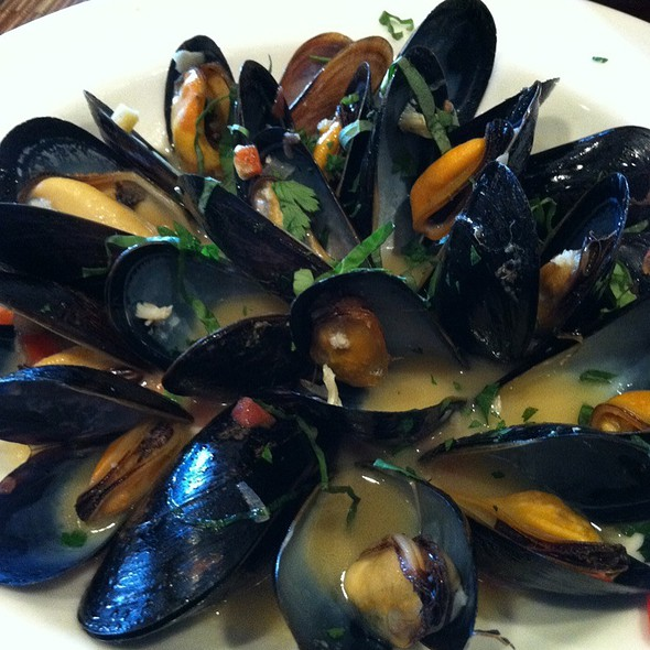 Pinot Grigio Mussels - Grove Artisan Kitchen at Miramonte Resort & Spa, Indian Wells, CA