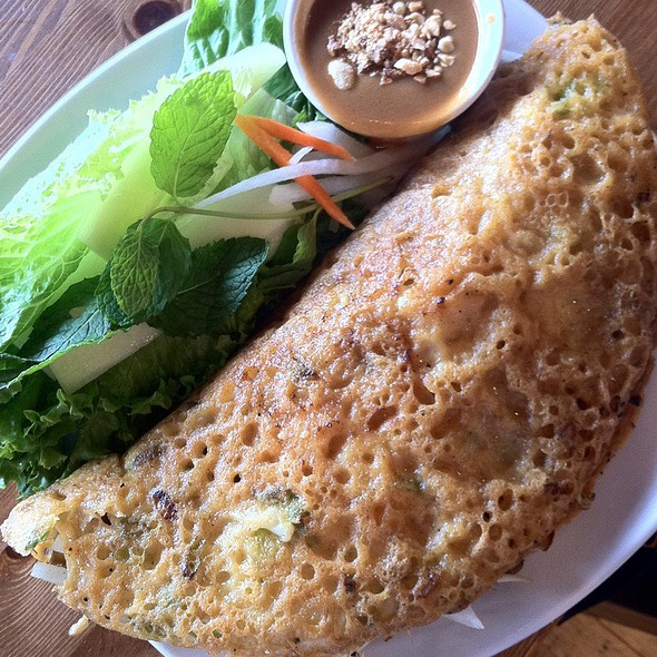 Banh Xeo - Hue Vietnamese Restaurant - Bay View, Milwaukee, WI