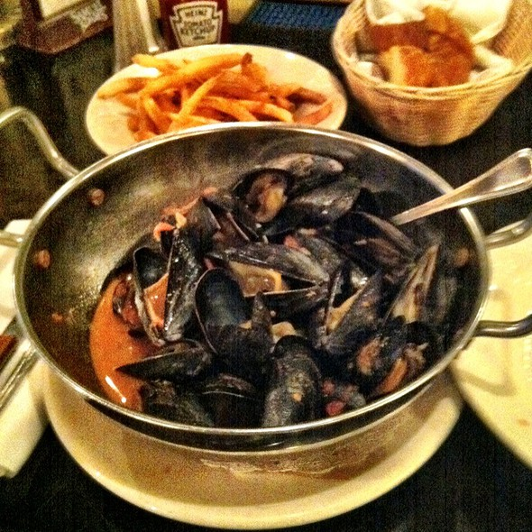 Moules Frites - Les Halles, New York, NY
