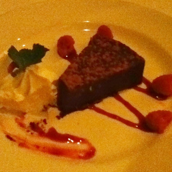 flourless chocolate cake - The Capital Grille - Chestnut Hill, Chestnut Hill, MA