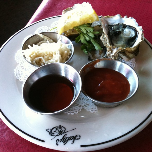 Oysters - Salty's at Redondo Beach, Des Moines, WA
