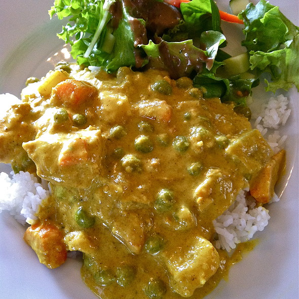 Chicken Curry - Mulligans on the Blue, Kihei, HI