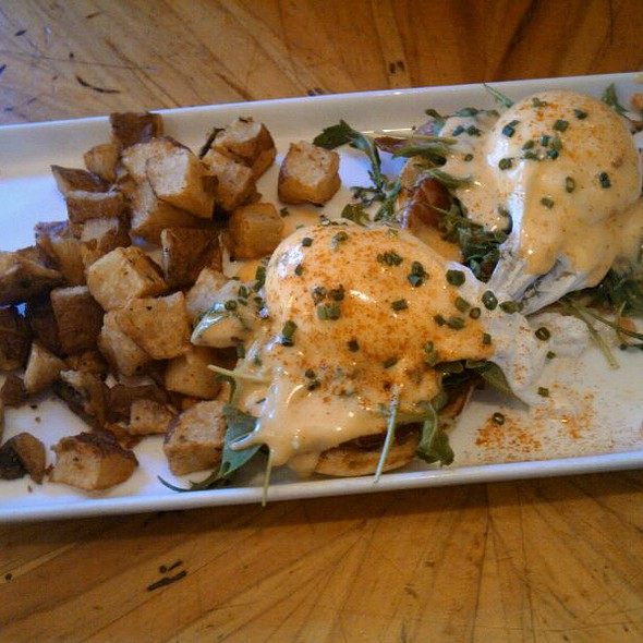 Bacon & Arugula Benedict - Peso's, Seattle, WA