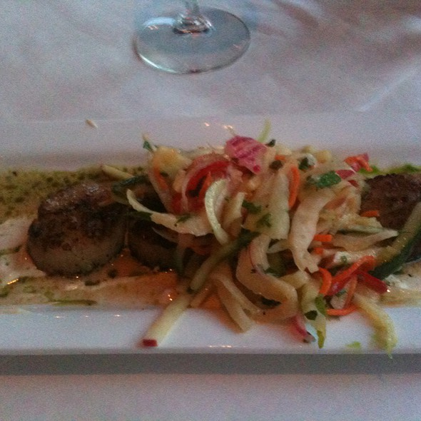 Pan Seared Scallops W/Fennel-Apple Slaw - Z Cucina di spirito, Columbus, OH