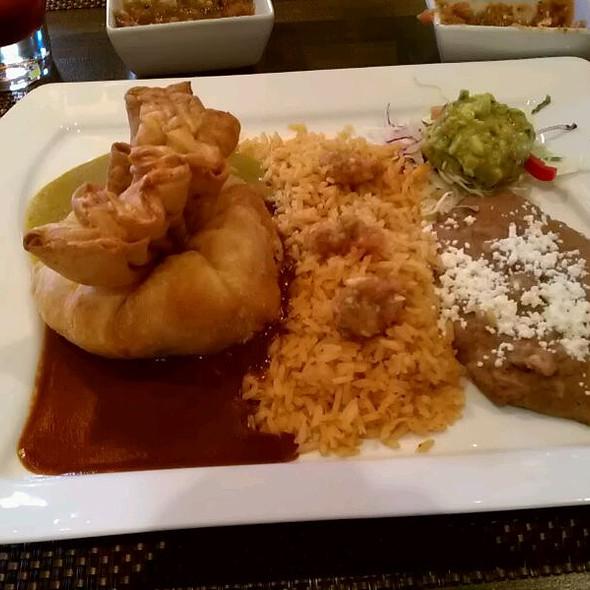 Luna Modern Mexican kitchen restaurant - Corona, CA