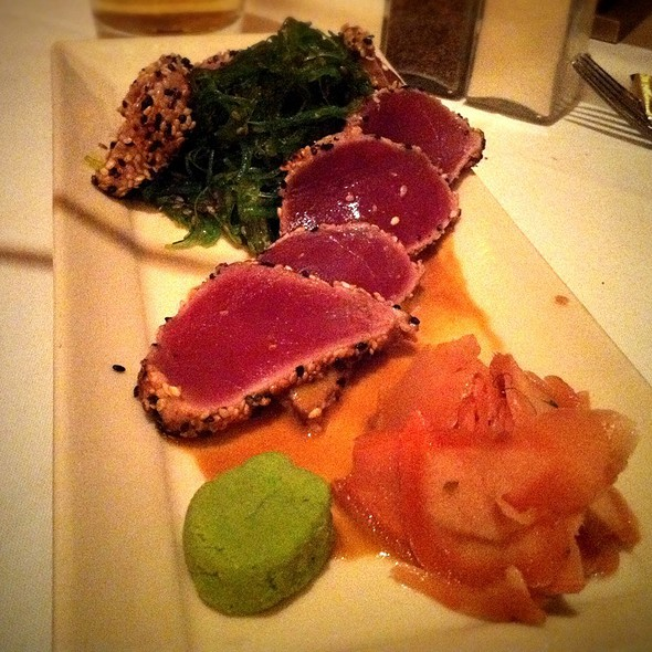 Seared Tuna - Harry & Izzy's - Downtown, Indianapolis, IN