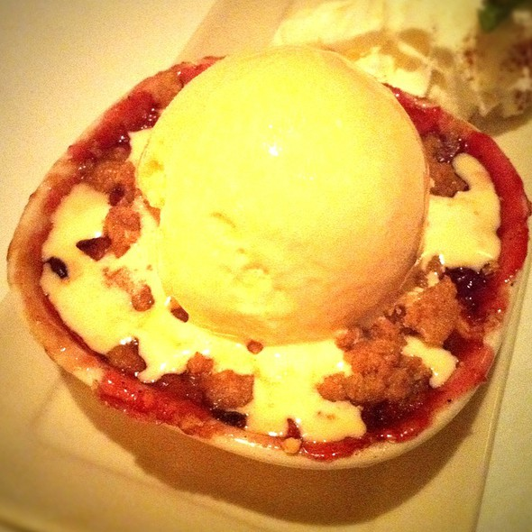 Apple Cherry Crisp - Harry & Izzy's - Downtown, Indianapolis, IN
