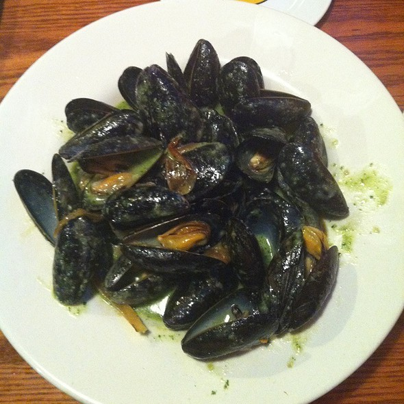 Mussels In Onion And Pesto Sause - Kitchen Bar, Abington, PA